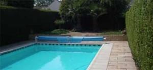 een lucht water warmtepomp kan gekoppeld worden voor zwembadverwarming